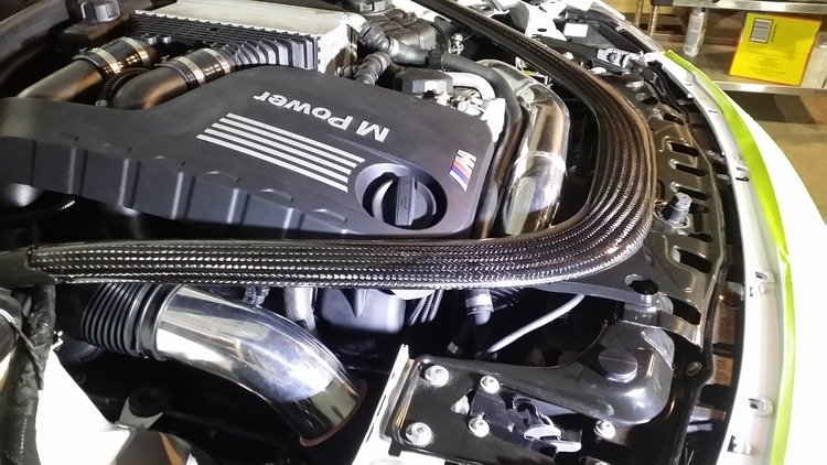 The RK-Tunes F80 M3 / F82 M4 Cold air intake places the air filters in the front kidney grille area. This allows for the coldest air and most horsepower.